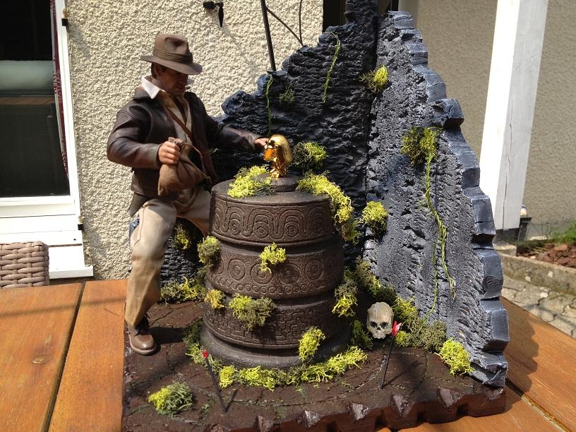 Diorama Indiana Jones Hot Toys ( Terminé ) Img_0371-36afd05