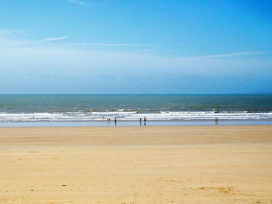 Sur la plage aux pieds nus 9015234_1f923aa9_...66364106-36e89dd